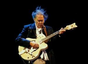 Neil_Young.RKO.FM