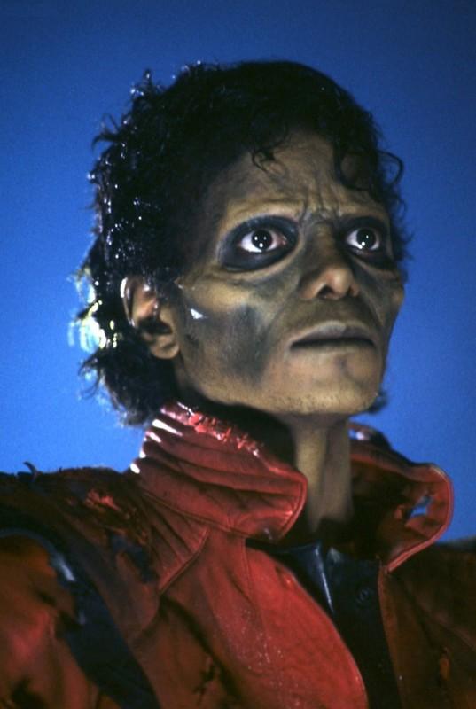 Thriller de michael jackson un zombie que no muere for En que ano murio michael jackson