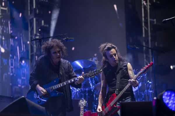 THE CURE28